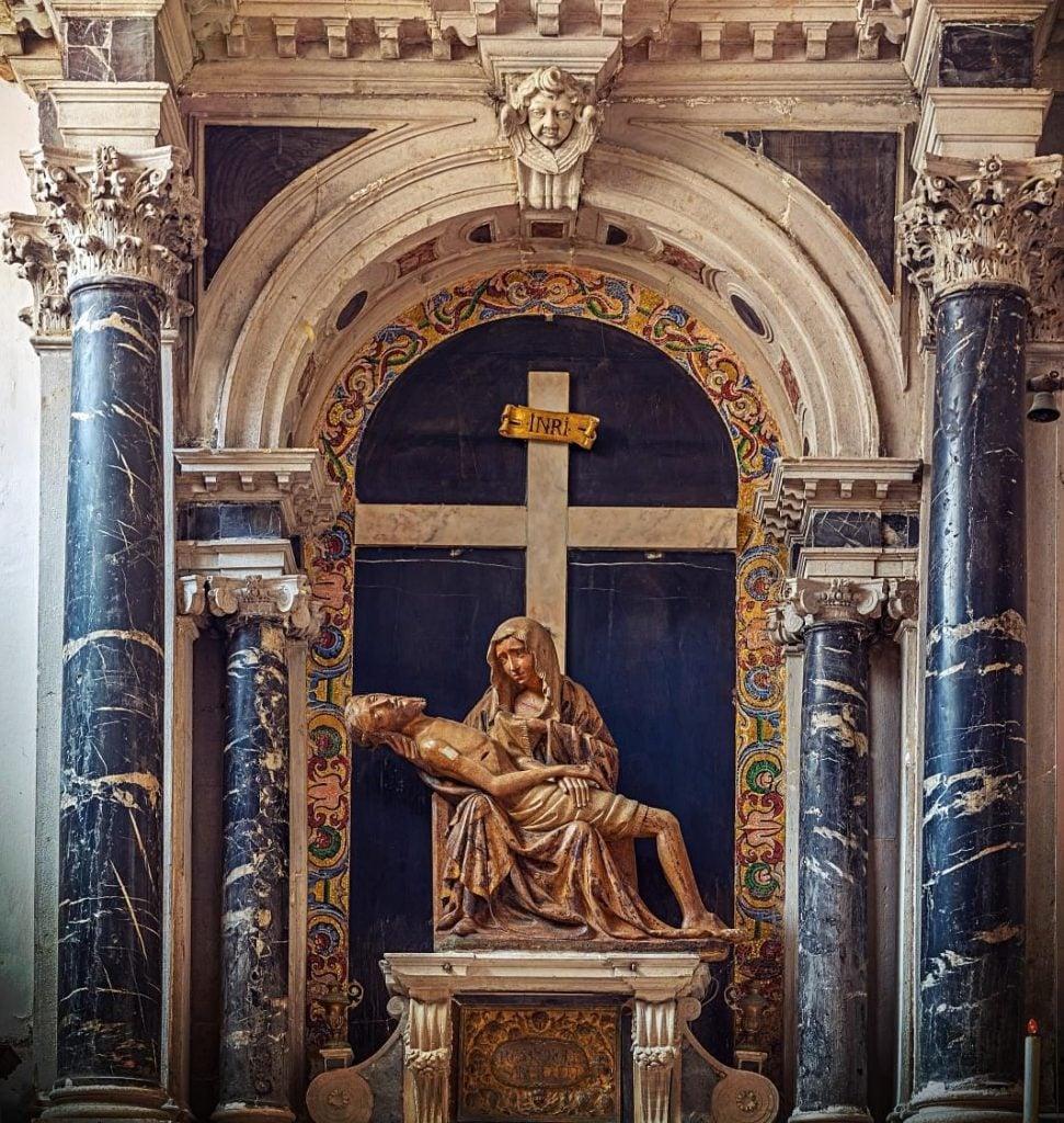 Altar with Pietà in the San Giovanni in Bragora church, Venice