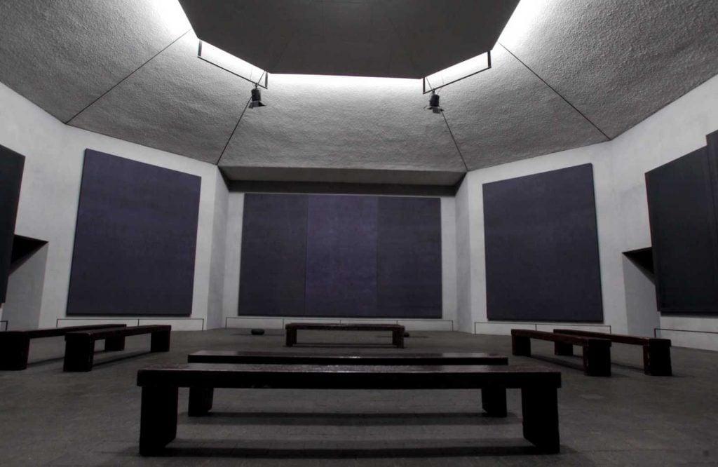 The Rothko Chapel: G. Aubry, H.Barnstone, P. Johnson, E. Aubry, Interior of the Rothko Chapel with Mark Rothko's paintings, Houston, TX, USA.