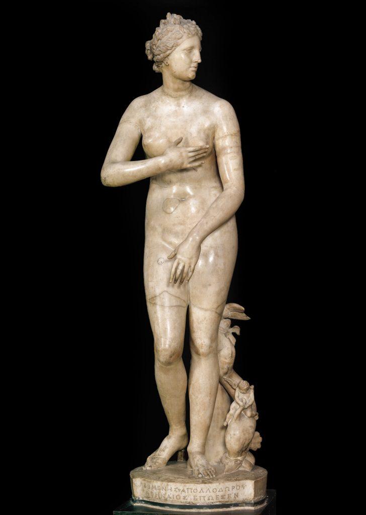 Venus de Medici, late 2nd-century BCE - early 1st century BCE, Uffizi Gallery, Florence.