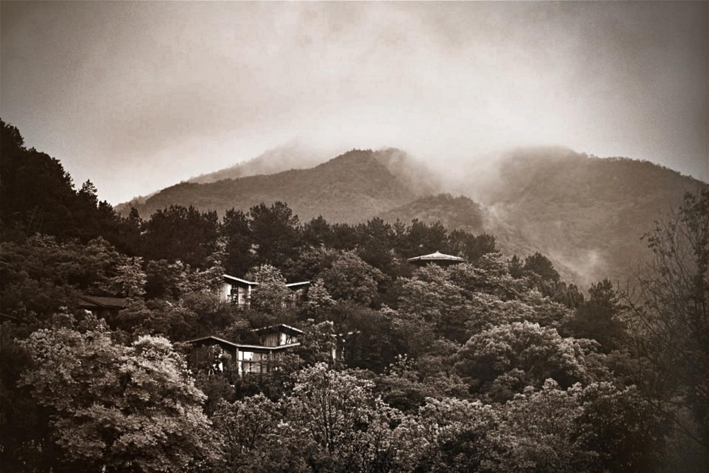 Fuchun resort with guest rooms hiding in the mountain.