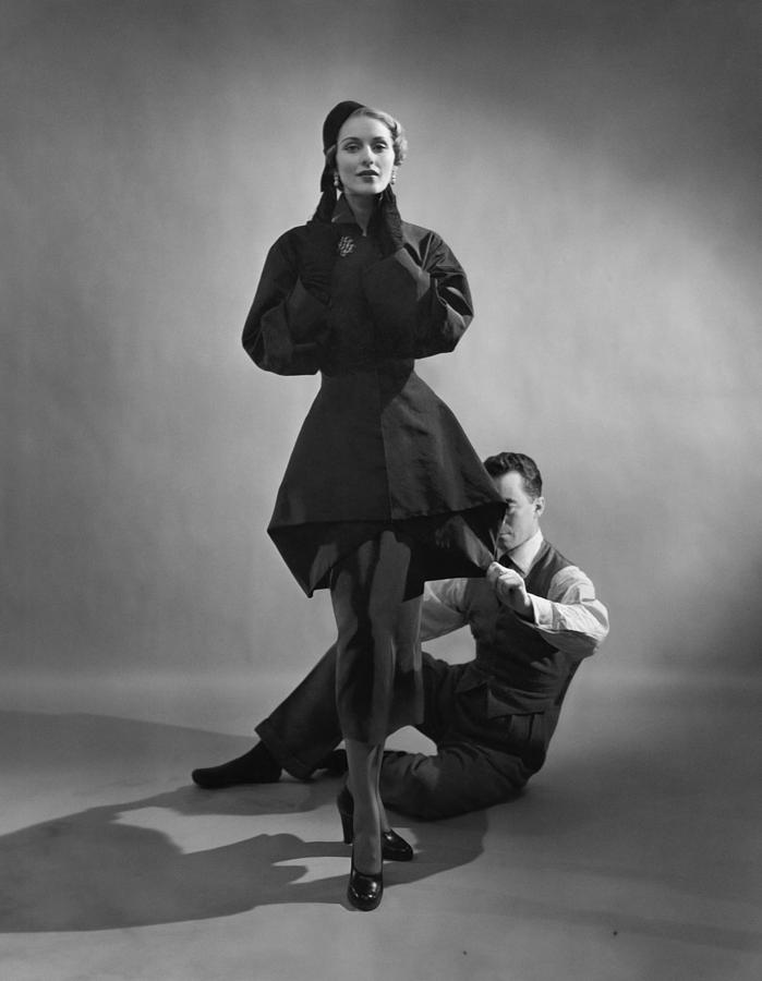 Cecil Beaton, Charles James with a model, 1948. Fashion Photographers