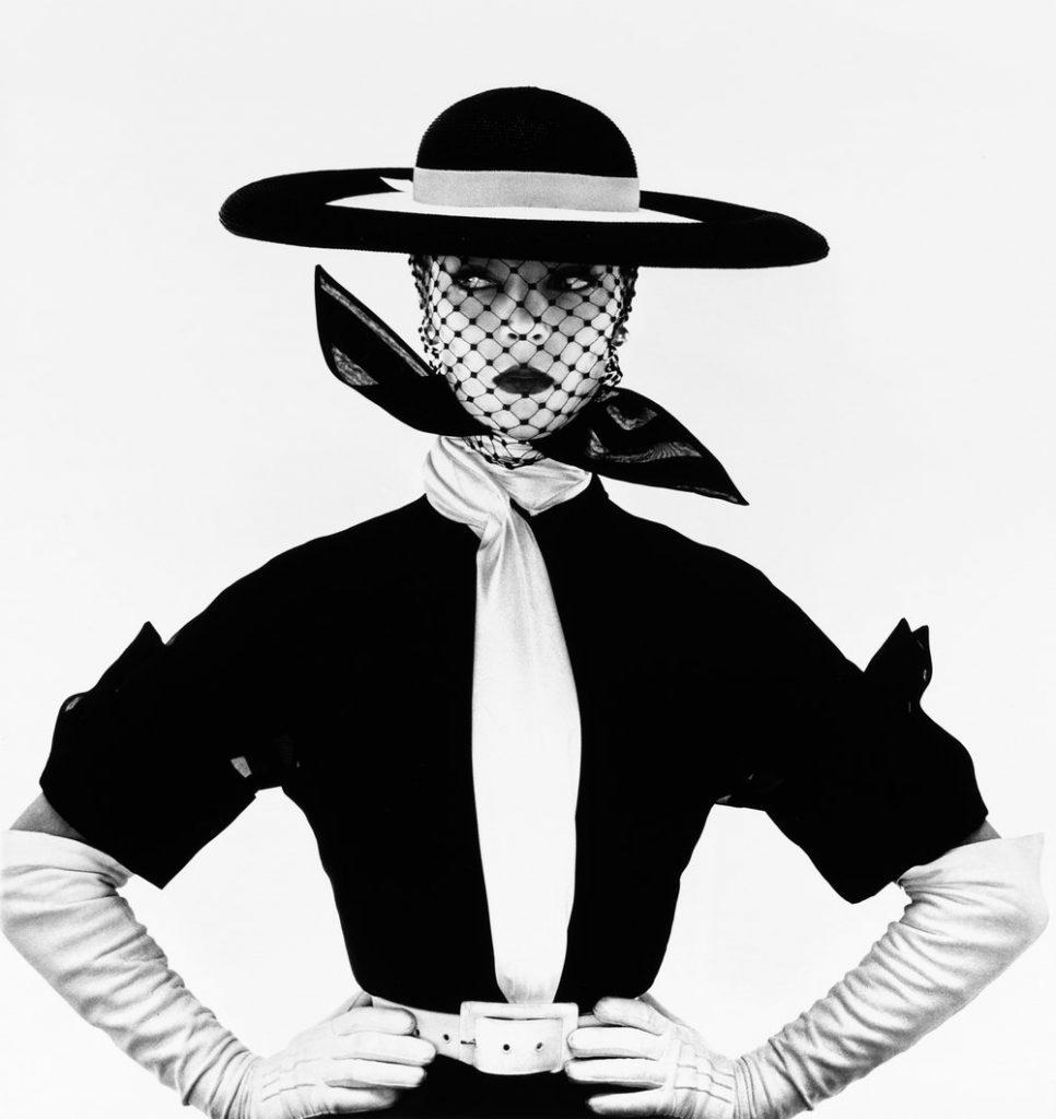 Irving Penn, Black and White Vogue cover (Jean Patchett), New York, 1950.