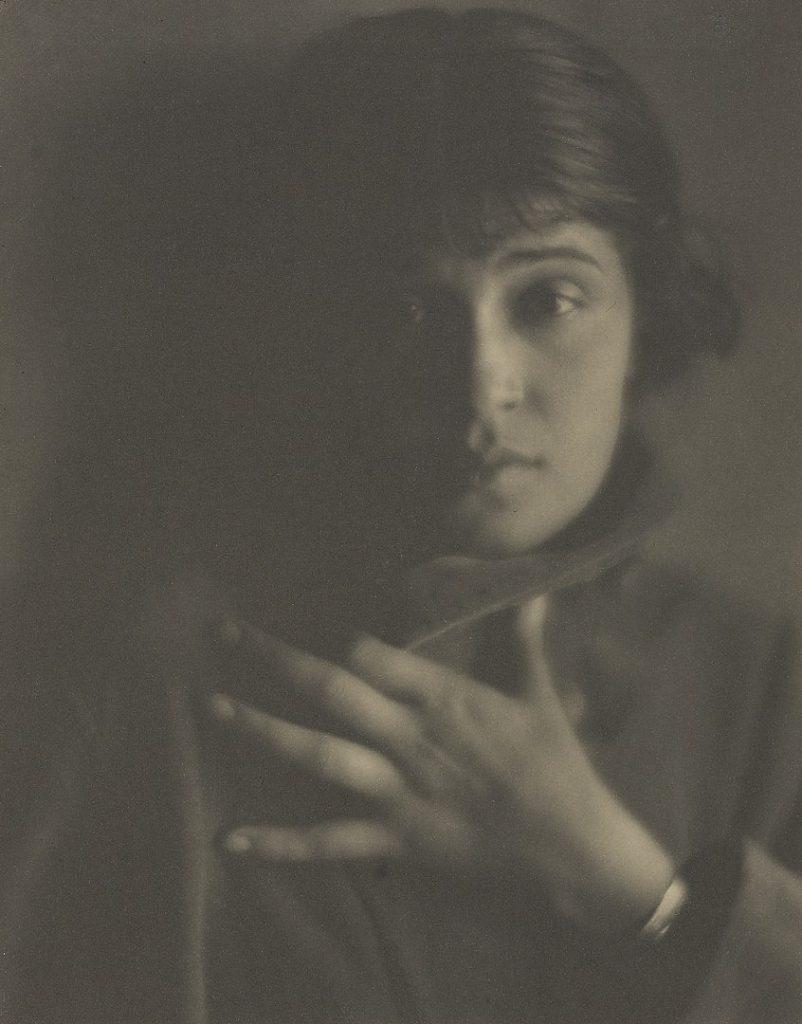 Edward Weston, photography of Tina Modotti, 1921. women photographers