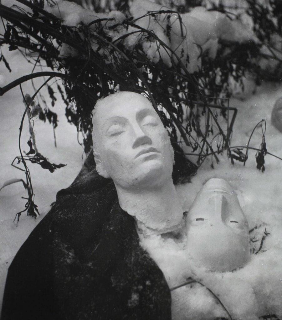Kati Horna, Invierno en el patio, 1939, Museo Amparo, Puebla, Mexico.