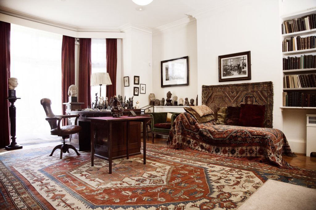 The desk and couch of Sigmund Freud, Freud Museum, London, UK. London Art Museums