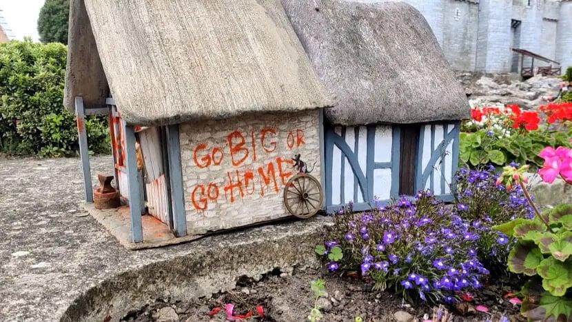 Banksy city guide 2021: Banksy, Go big or go home, 2021