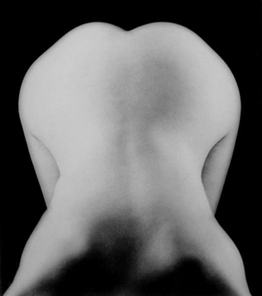 Lee Miller, Nude Bent Forward, 1930. women photographers